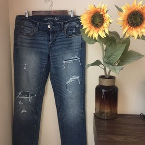 •American Eagle• Distressed Skinny Jeans